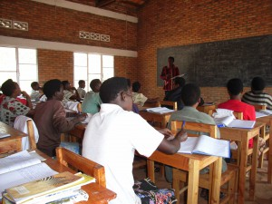 4 Project Human Aid - Berufsschule Theorie-Unterricht