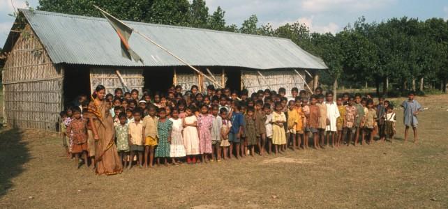Bangladesch: Georg Kraus Stiftung ebnet steinige Bildungswege