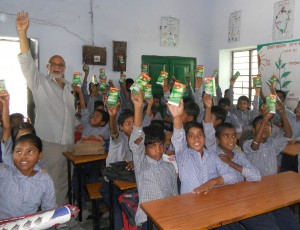 Schulkinder erhalten Unterricht in Landwirtschaft