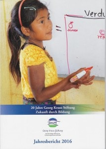 """Fotos Nr. 114 und 107 Nach dem Motto """"Bildung ist der beste Weg aus der Armut"""" unterstützt die GKS benachteiligte Kinder, Jugendliche und Frauen. Der Vorstandsvorsitzende Erich G. Fritz (Foto u.) stellte jetzt den Jahresbericht für das Jubiläumsjahr vor"""