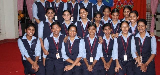 Krankenschwesterausbildung für 20 junge Frauen in Kerala, Indien
